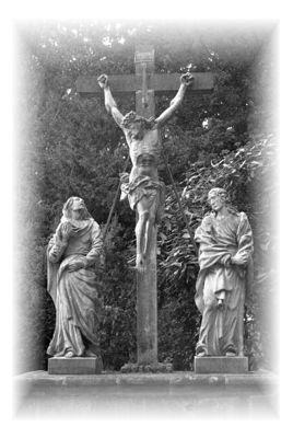 Die Kreuzigungsgruppe am Hochgrab auf dem alten Friedhof in der Mühlenstraße